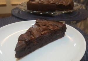 Bolo Funcional de Chocolate e Banana (sem leite e com ingredientes saudáveis)