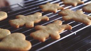 Biscoitos Amanteigados (e como decorar sem glacê)